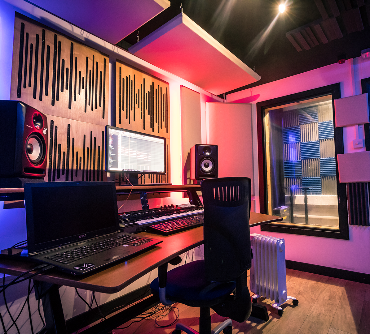 646Vocal Booth & Sound Engineer, Leeds